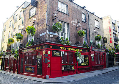 Temple Bar Digital Art - Temple Bar - Irish Pub by Bill Cannon