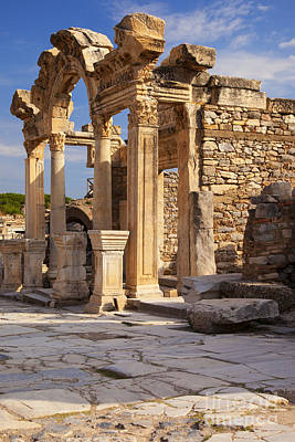 Photograph - Temple In Ephesus by Brian Jannsen