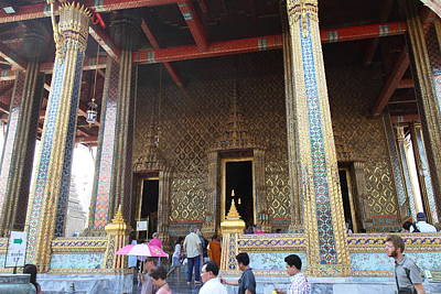 Emerald Photograph - Temple Of The Emerald Buddha - Grand Palace In Bangkok Thailand - 01136 by DC Photographer