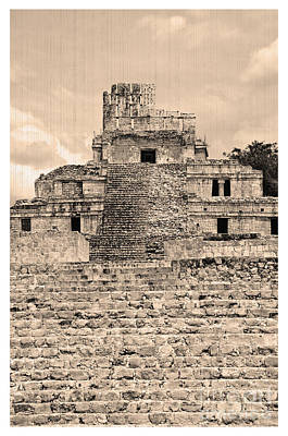 Photograph - Templo De Edzna Antiguo by Agus Aldalur