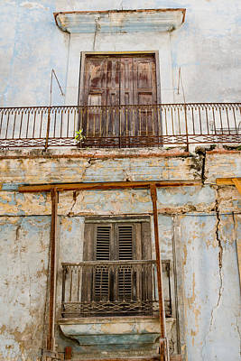 Photograph - Temporary Havana Cuba by Rob Huntley