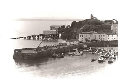 Tenby Harbour And Castle Hill Vignette Art Print