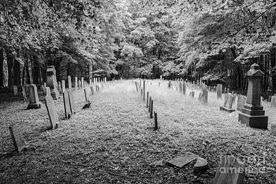 Terpenning Cemetery B And W Art Print