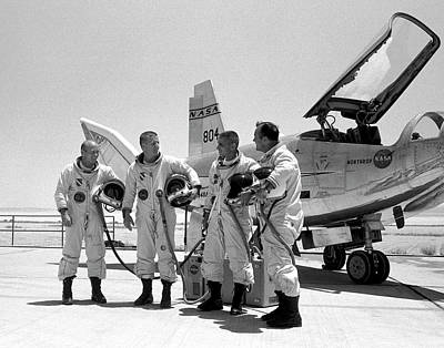 Test Pilots And Northrop Hl-10 Art Print by Nasa