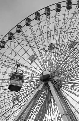 Photograph - Texas Star Ferris Wheel by Bill Hamilton
