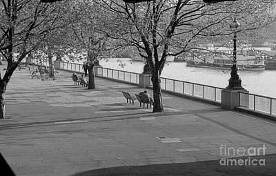 Photograph - Thames Walkway by Richard Morris