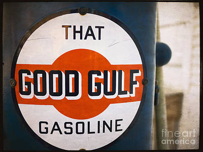 Photograph - That Good Gulf Gasoline by Edward Fielding