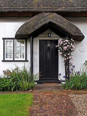 Country Cottage Photograph - Thatched Cottage Welcome by Gill Billington
