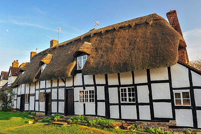 Thatched Cottage Welford On Avon Art Print by David Ross