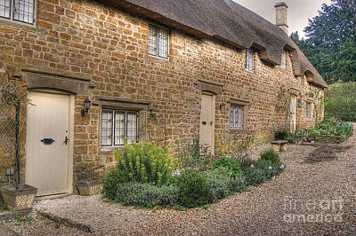 Thatched Cottages In Oxfordshire Art Print
