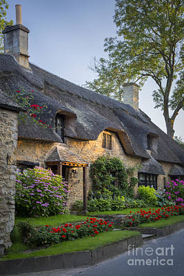 Photograph - Thatched Roof - Cotswolds by Brian Jannsen