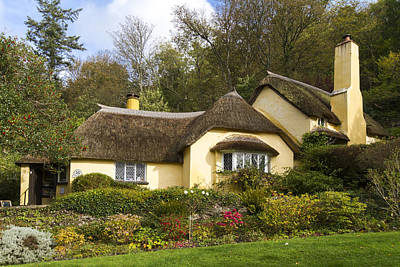 Thatched Roof Cottage In Selworthy  Art Print by Chris Smith