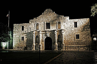 Photograph - The Alamo by Andy Crawford