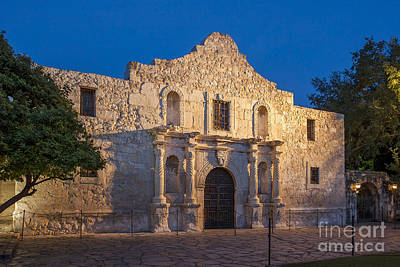 Photograph - The Alamo by Brian Jannsen