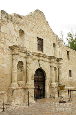 Photograph - The Alamo Mission by Frank Townsley