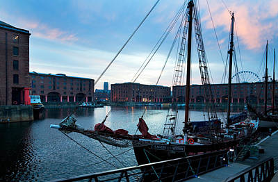 Albert Dock Photograph - The Albert Dock, Liverpool, Merseyside by Panoramic Images
