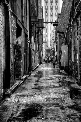 Photograph - The Alleyway In Market Square - Knoxville Tennesse by David Patterson