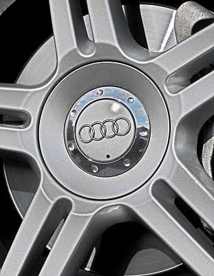 Photograph - The Audi Wheel by Dragan Kudjerski