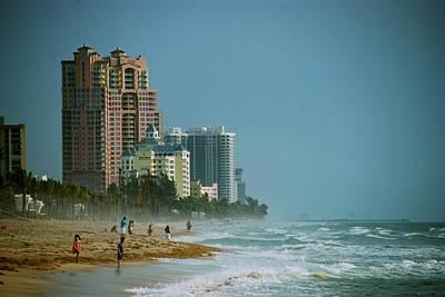 The Beach Near Fort Lauderdale Art Print
