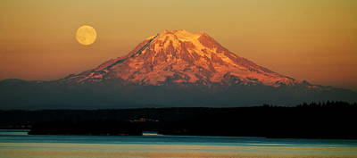 Photograph - The Beautiful Northwest by Benjamin Yeager