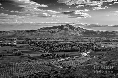 Photograph - The Beautiful Valley by Robert Bales
