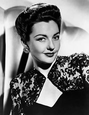 1950s Tv Photograph - The Bigelow Theatre, Lynn Bari, Agent by Everett