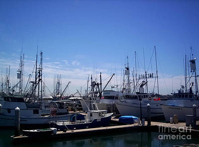 Photograph - The Boat Rest by B Wayne Mullins