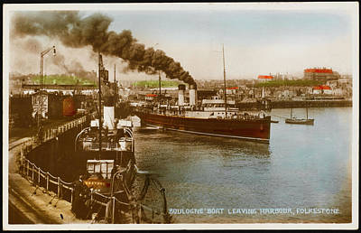 Folkestone Harbour Wall Art - Photograph - The Boulogne Steamer Leaving Folkestone by Mary Evans Picture Library