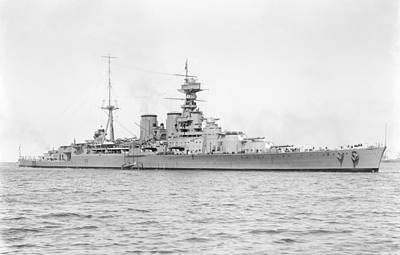 Hms Hood Painting - The British Royal Navy Battle Cruiser Hms Hood by Celestial Images