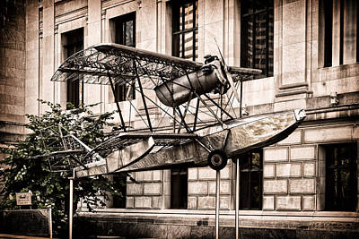 Photograph - The Budd Bb-1 Pioneer In Front Of The Franklin Institute by Boris Mordukhayev