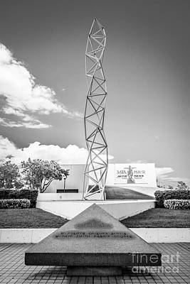 Bayfront Park Photograph - The Challenger Memorial 2 - Bayfront Park - Miami - Black And White by Ian Monk