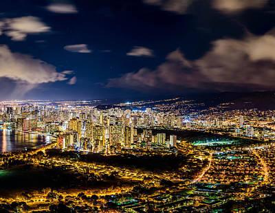 The City Of Aloha - Triptych Center Art Print by Jason Chu