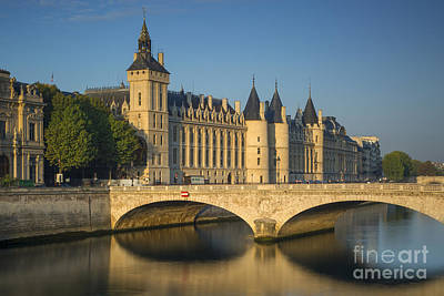 Bath Time - The Conciergerie - Paris by Brian Jannsen