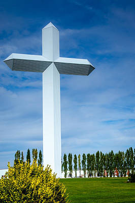 Photograph - The Cross At Effingham Illinois by Debra Martz