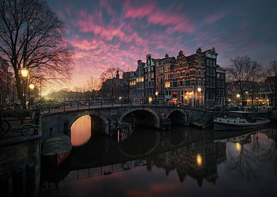 Amsterdam Wall Art - Photograph - The Cross by Juan Pablo De
