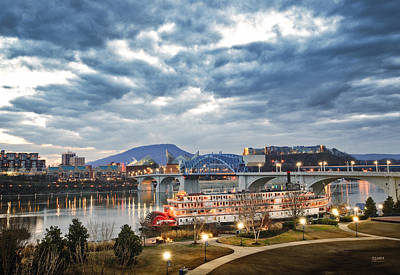 The Delta Queen And Coolidge Park At Dusk Art Print by Steven Llorca