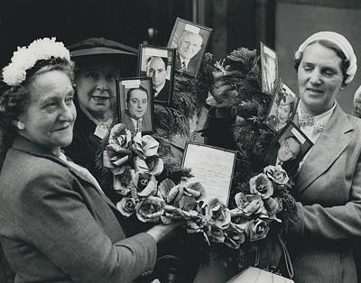 The End Of Rationing In Britain. Housewives Present The Art Print by Retro Images Archive