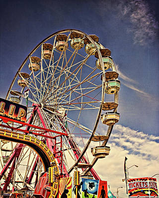 Photograph - The Ferris Wheel by Lana Trussell
