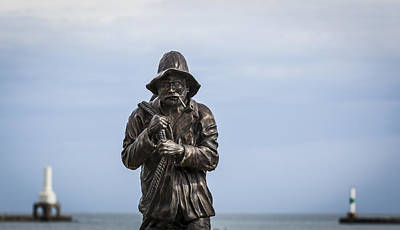 Photograph - The Fisherman Statue by Amber Kresge