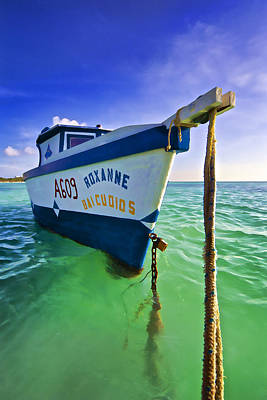 Photograph - The Fishing Boat Roxanne Of Aruba by David Letts