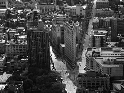 Photograph - The Flatiron Black And White by New York