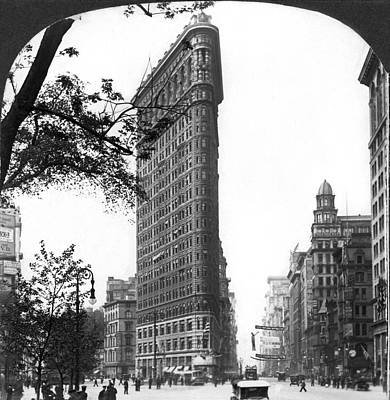 Flatiron Building Photograph - The Flatiron Building In Nyc by Underwood Archives