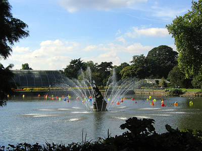 The Fountain At Kew Gardens Art Print