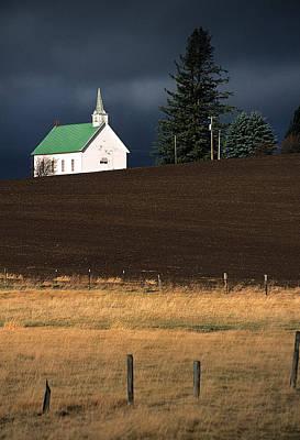 Photograph - The Freeze Church by Doug Davidson