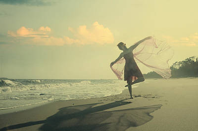 Photograph - The Girl And The Sea by Mayumi Yoshimaru
