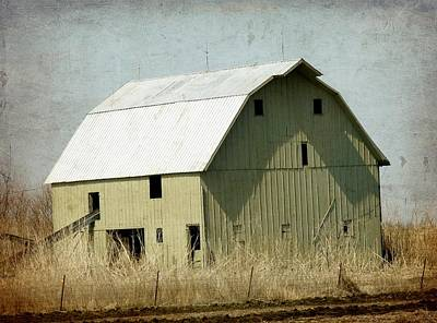 Iowa Digital Art - The Green Barn by Cassie Peters