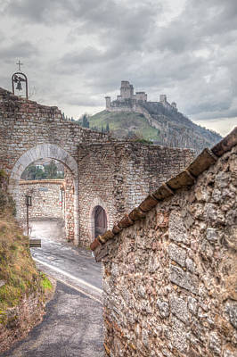 Assisi Wall Art - Photograph - The Guardian  by W Chris Fooshee