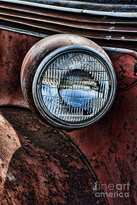 Photograph - The Headlight by Ron Roberts
