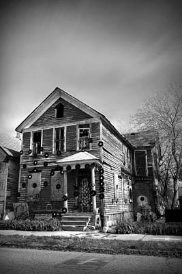 The House Of Soul At The Heidelberg Project - Detroit Michigan - Bw Art Print