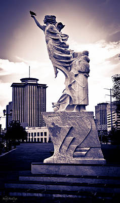 Photograph - The Immigrant Monument by Shelly Stallings